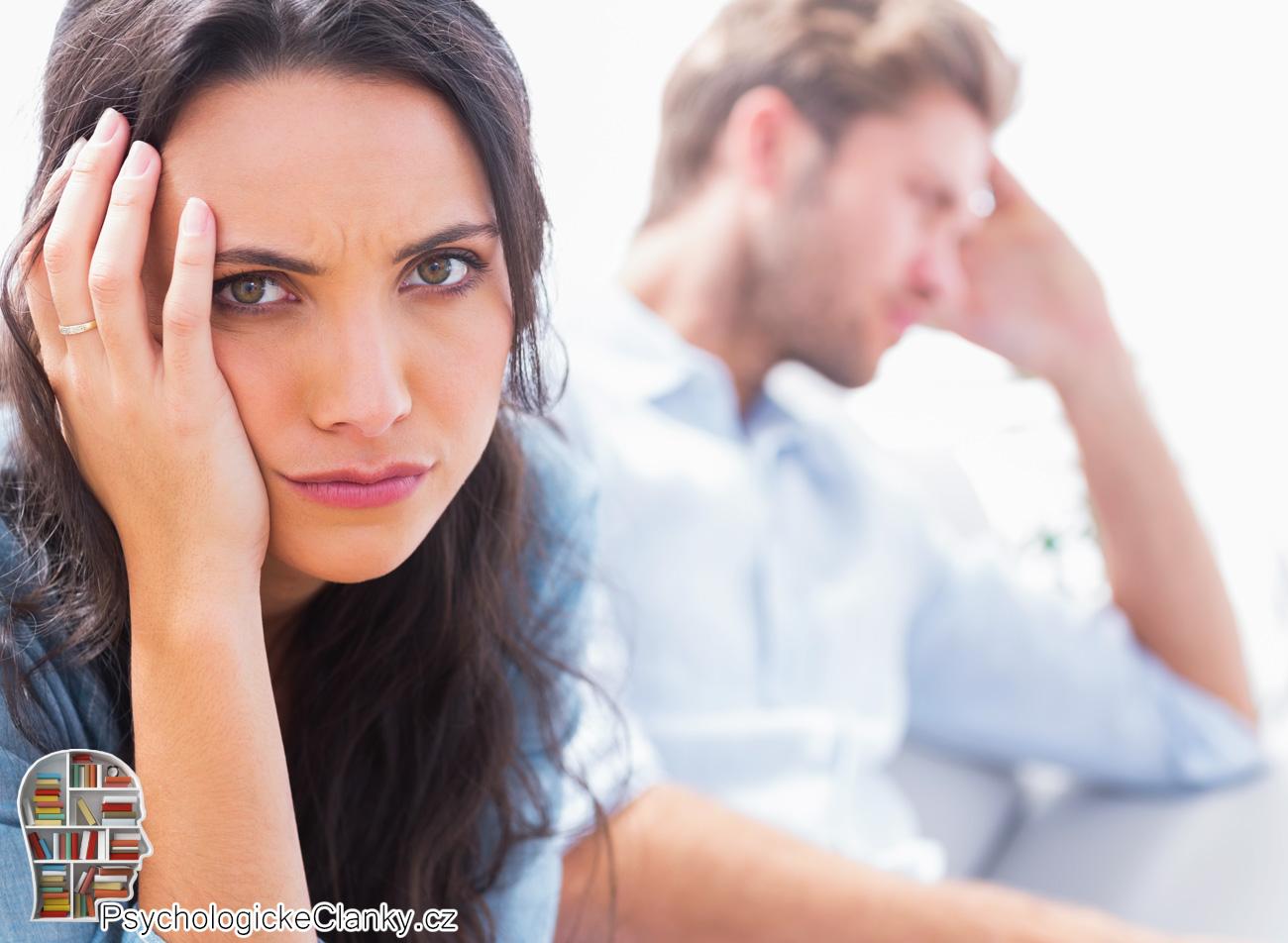 randění s dívkou, která má problémy s opuštěním datování aplikace tango